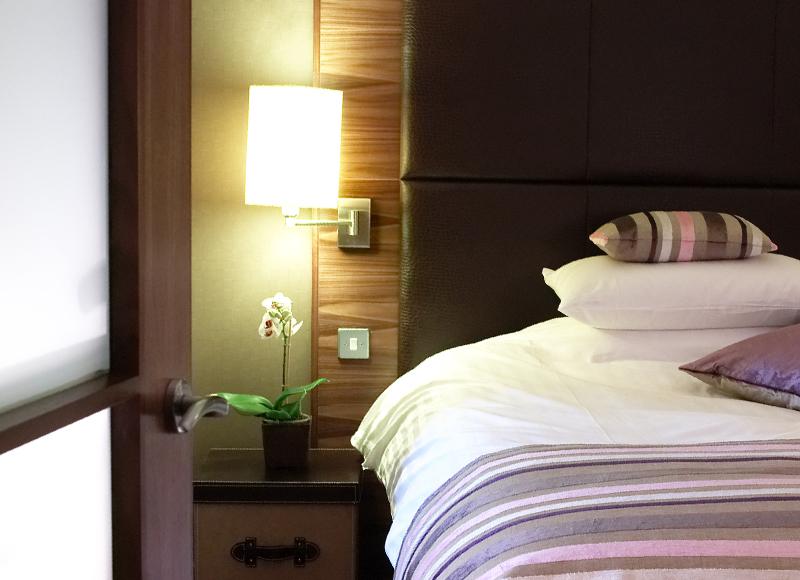 Big Blue Hotel Suite